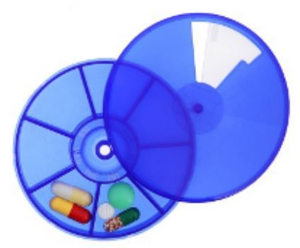 ТаблетницаТовары в дорогу<br>7 секций, форма - круг D9см,  цвет синий. Материал:  пластик.<br><br>Год: 2018<br>Высота: 18<br>Ширина: 90<br>Толщина: 90