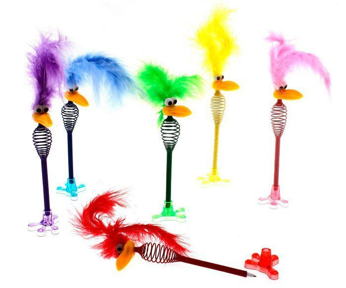 Ручка шариковая Страус с хохолкомРучки<br>Ручка шариковая Страус, микс, 19 см.Выбор конкретных цветов и моделей не предоставляется.<br><br>Год: 2015