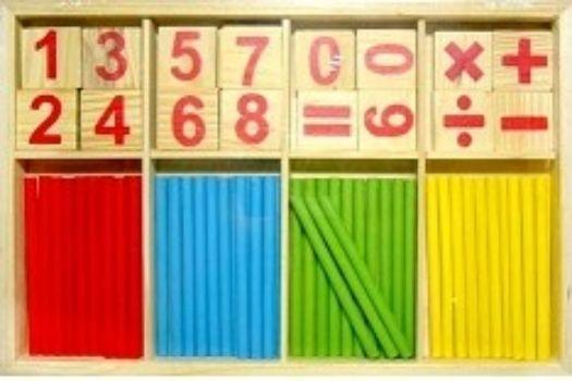 Математический набор Учимся считатьСчетный материал<br>При обучении детей счету, очень полезно использовать красивый, яркий и разнообразный счетный материал. Ребенку очень сложно мыслить абстрактно. Счет с использованием предметов гораздо понятнее для ребенка и облегчает процесс обучения. Счетные палочки с ци...<br><br>Год: 2017<br>Высота: 150<br>Ширина: 230<br>Толщина: 16