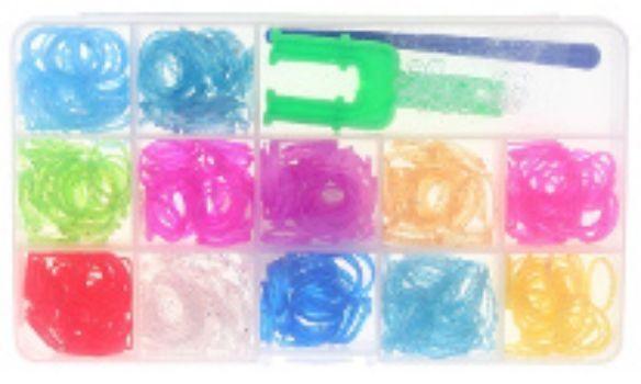 Набор резиночек с блестками для плетения браслетов, 500 шт.Украшения своими руками<br>Красочный набор для плетения браслетов из тонких разноцветных резиночек с блестками порадует каждого ребенка, ведь с помощью компактного набора можно создать оригинальное украшение или приятный подарок для себя и близких.В наборе: станок-рогатка, 500 рези...<br><br>Год: 2015<br>Высота: 110<br>Ширина: 170<br>Толщина: 20
