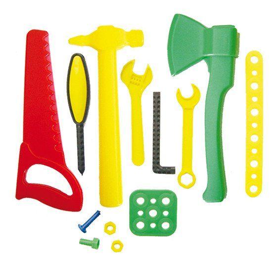 Игровой набор Мастер, 13 предметовИгрушки<br>Игровой набор Мастер предназначен для детского творчества и сюжетно-ролевых игр.В наборе:- пила;- 2 болта;- 2 гайки;- молоток;- топор;- отвертка;- ключ гаечный - 2 шт. и др.Изготовлен из высококачественной пластмассы.Упаковка: картонная коробка.<br><br>Год: 2016<br>Высота: 260<br>Ширина: 205<br>Толщина: 80