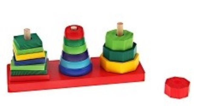 Игра Пирамидка. Фигуры на основанииДеревянные игрушки<br>Яркая логическая пирамидка изготовлена из натуральной древесины и покрыта безопасными красками. Задача малыша - сортировать фигурки по форме и собрать их на столбиках в порядке возрастания или убывания. Позвольте крохе освоить азы счёта, навыки сортировки...<br><br>Год: 2016<br>Высота: 60<br>Ширина: 140<br>Толщина: 45