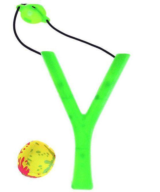 Рогатка и водная бомбочка, миксИгры и игрушки<br>Рогатка с водной бомбочкой - то, что нужно для веселья в летний зной. Игра поможет получить заряд энергии и положительных эмоций.Чтобы запустить снаряд, необходимо смочить водой текстильный мячик. Ребёнок с удовольствием будет стрелять бомбочкой, при этом...<br><br>Год: 2017<br>Высота: 170<br>Ширина: 90<br>Толщина: 10