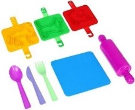 Игровой набор Пекарь №1Игры и игрушки<br>В набор входит поднос, вилка, ложка, нож, скалка, штамп 3 шт.Состав: пластмасса.Для детей от 2-х лет.<br><br>Год: 2017<br>Высота: 200<br>Ширина: 160<br>Толщина: 60